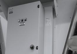 Industrial dry cooler